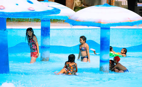 Haciendas De Naga Wave Pool Complex