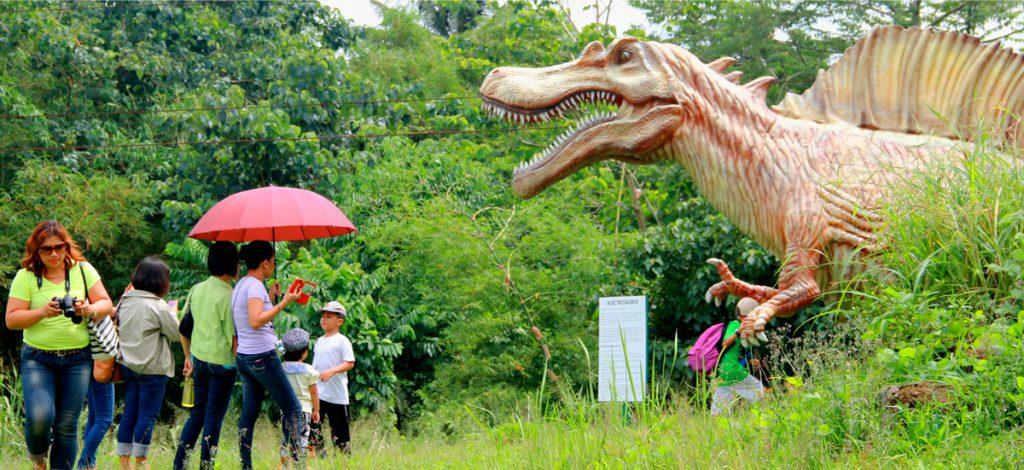 dinosaur park naga city