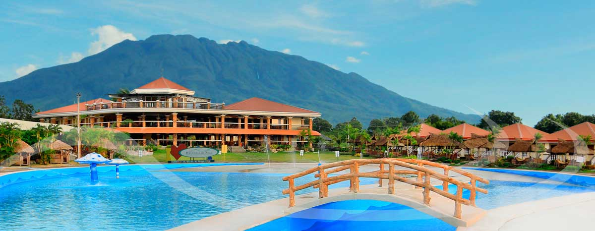 Haciendas De Naga Resort Wave Pool and Country Club