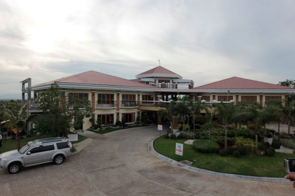 haciendas-de-naga-clubhouse-long-view
